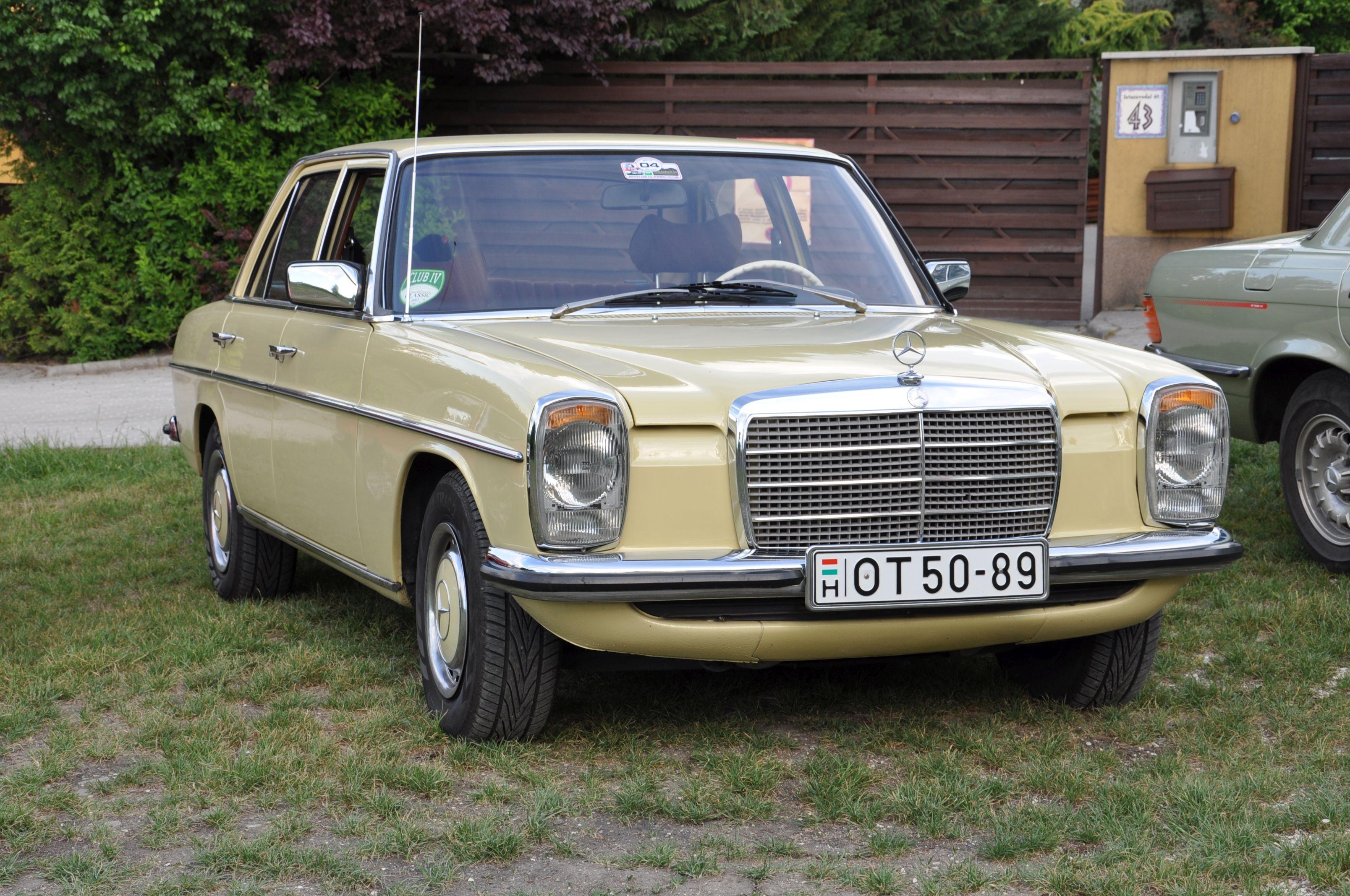 Mercedes-Benz 200D 1976