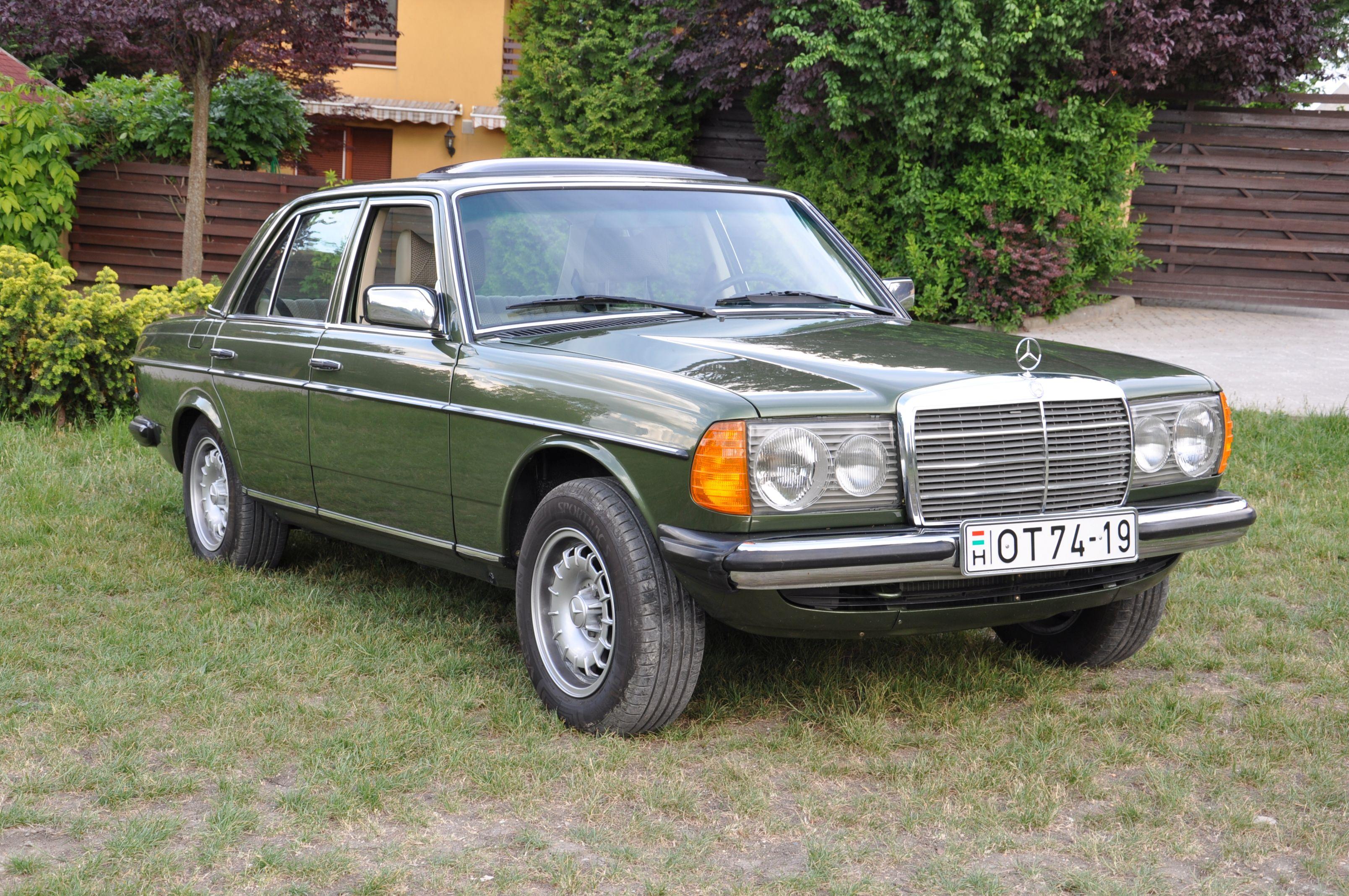 Mercedes-Benz 300D 1977